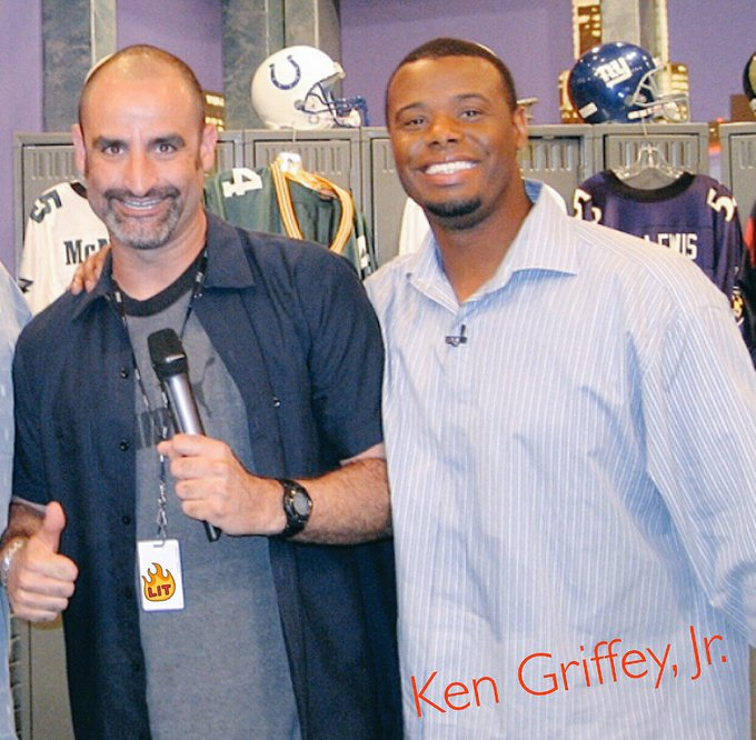 Happy 49th Birthday to MLB Hall of Famer Ken Griffey, Jr. !!