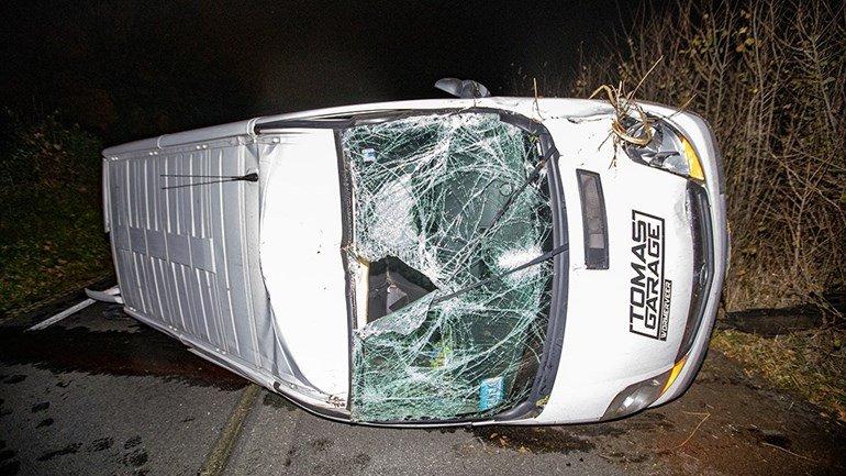 test Twitter Media - Een akelig gezicht: er is vanavond een busje op zijn kant geraakt op de Zeeweg in Overveen https://t.co/YuqvyRlzys https://t.co/jOU4gDTkmL