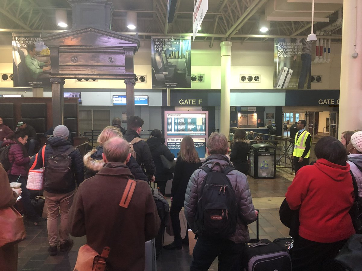 7a4f75fe33 @Amtrak has extra people out in yellow vests to try to answer questions  https://wtop.com/baltimore/2018/11/which-d-c-area-airport-is-busiest/ ...