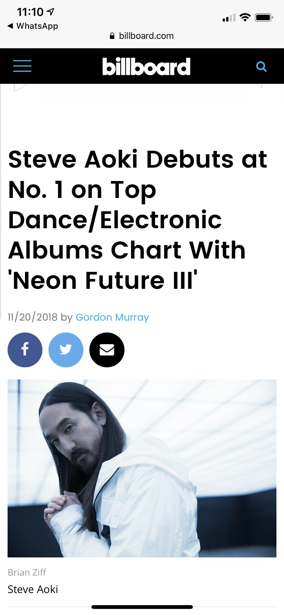 #1 on Dance Electronic Album Charts!! Thank you!!!!!!! @billboard #neonfuture3 https://t.co/jGxn082Ylv