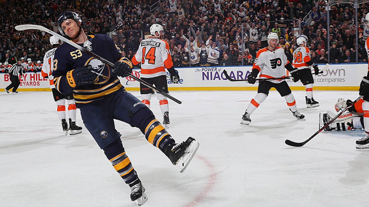 Sabres score 4 in 1st, beat Flyers 5-2 for 7th straight