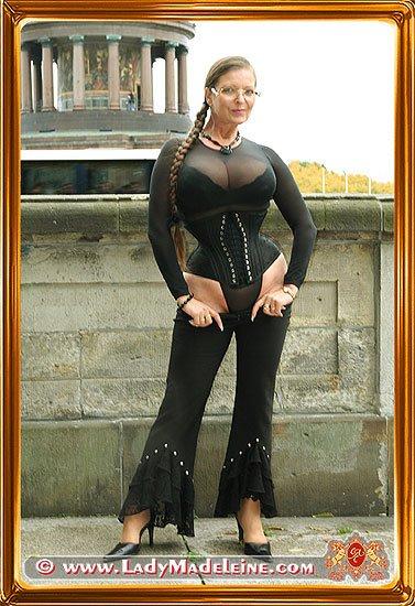 Piercing lady madeleine 20 Extreme