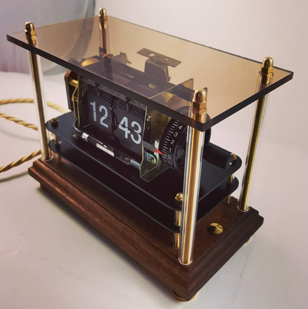 Bespoke #flipclocks #flipclock flip clocks lamps and general strange one off designs coming soon! #Madeinengland #Madeinsheffieldpic.twitter.com/XuXw5iwFue