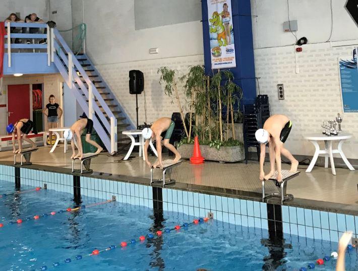 test Twitter Media - Schoolzwemtoernooi Vught: 2de plaats voor @obs_depiramide en 3de plaats voor @De_Lichtstraat! #trots! https://t.co/X55q8JfPra Foto: @Dommelbaarzen https://t.co/1xkbrQ6vyP