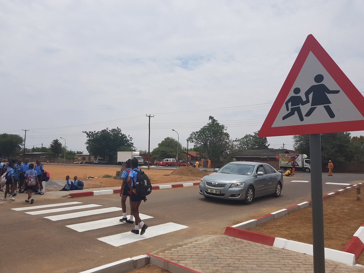 In #Goborone #Botswana pedestrian kids of Bophirima Primary School are safer when walking to/from school after the @SR4Schools @iRAPSavingLives assessment & @Amend implementation of cost-effective countermeasures #roadsafety @FIAFdn @oconnorshane @childhealthGI