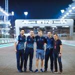 🇷🇺 Последняя прогулка по трассе в этом году! Мы были очень хорошей командой, эти люди были рядом со мной весь год. Последний этап, парни! Давайте проведём его ярко!✨ / 🇬🇧 English ⬇  📷: Евгений Сафронов  #SMPRacing #WeAreRacing #F1 #AbuDhabiGP 🇦🇪