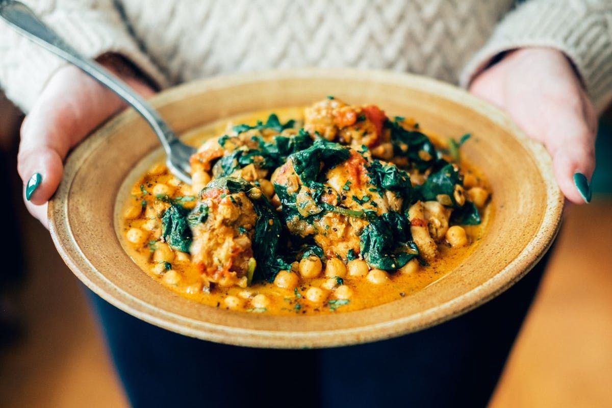 5 vegan curry recipes to warm you up this autumn https://t.co/xrrx9DgWSN #RecipeOfTheDay #VeganThanksgiving https://t.co/uUosF2dWhc