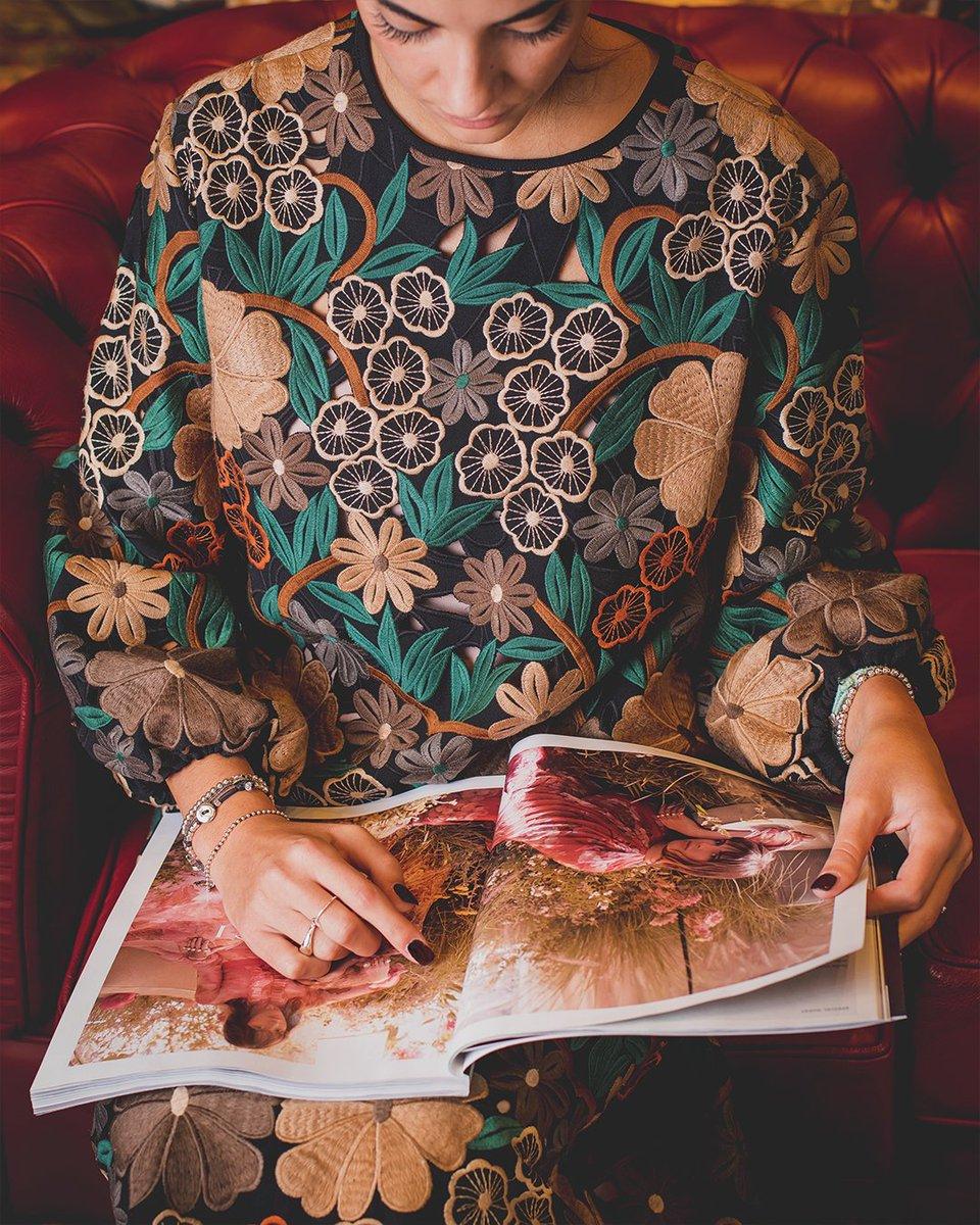 """L'eleganza è l'equilibrio tra proporzioni, emozione e sorpresa."""" Valentino❤️  Scopri la collezione Red Valentino nella boutique di Fidenza Village: per tutti gli iscritti Privilege il Black Friday è appena iniziato! https://t.co/7S3o9tzB5x https://t.co/dRACOJE1CY"""