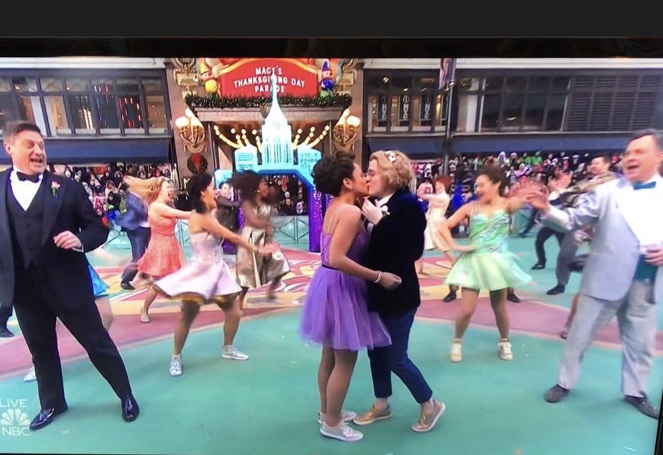 Millions of small children just watched two girls kiss and had their innocence broken this morning. @nbc and @Macys just blindsided parents who expected this to be a family program, so they could push their agenda on little kids. #macysthanksgivingdayparade #MacysDayParade