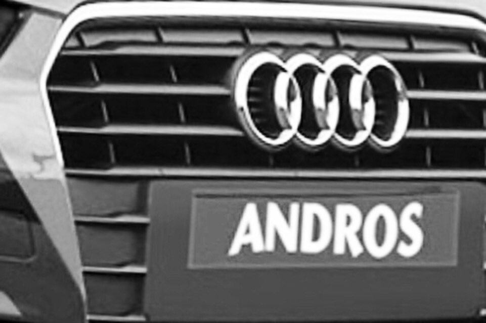 @TropheeAndros_ J-16 ! We are ready with our 2 @audisport A1 Quattro for one more season ! See you @valthorens_ski ! Your opinion : wich line-up ?