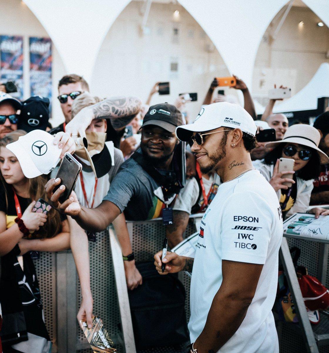 Arrival, Abu Dhabi ☀️🙌🏾 #F1 #TeamLH