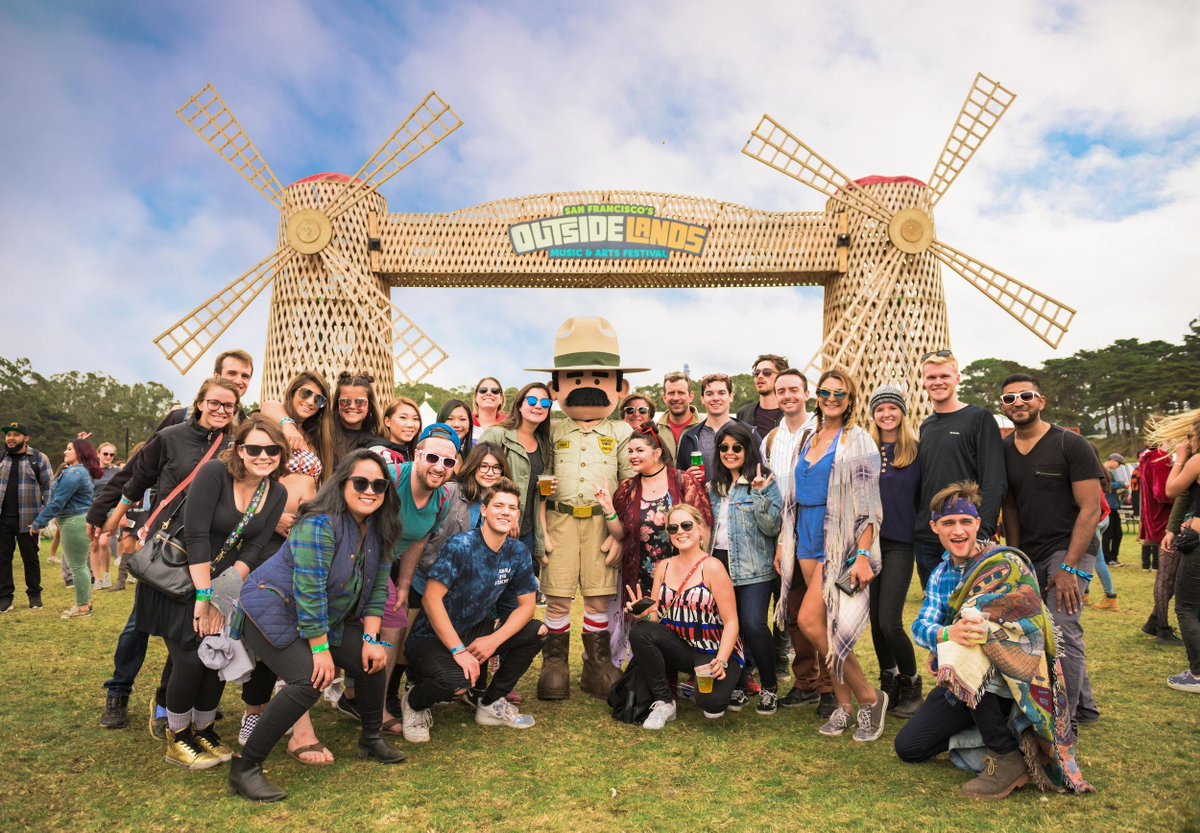 ranger dave is thankful for all of his wonderful friends. #outsidelands (📷: andrew jorgensen)