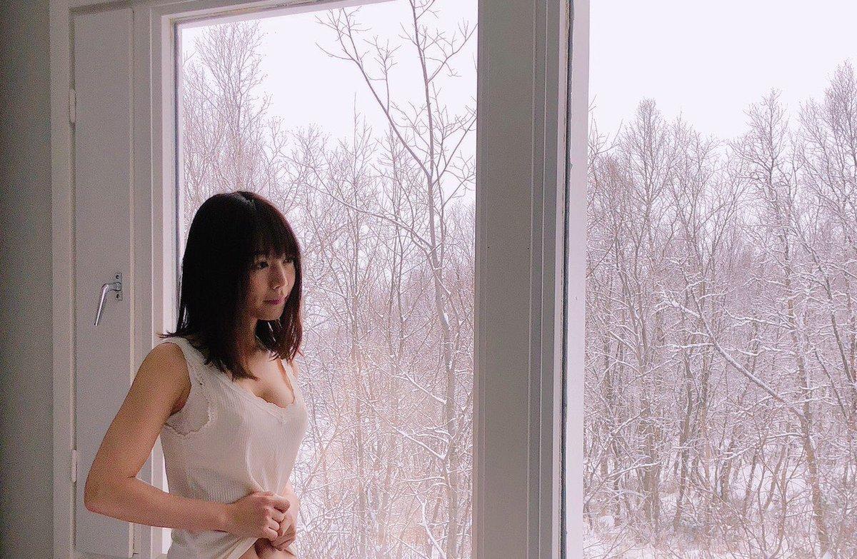 【速報】北野日奈子さん、爆乳化&ブラチラ。
