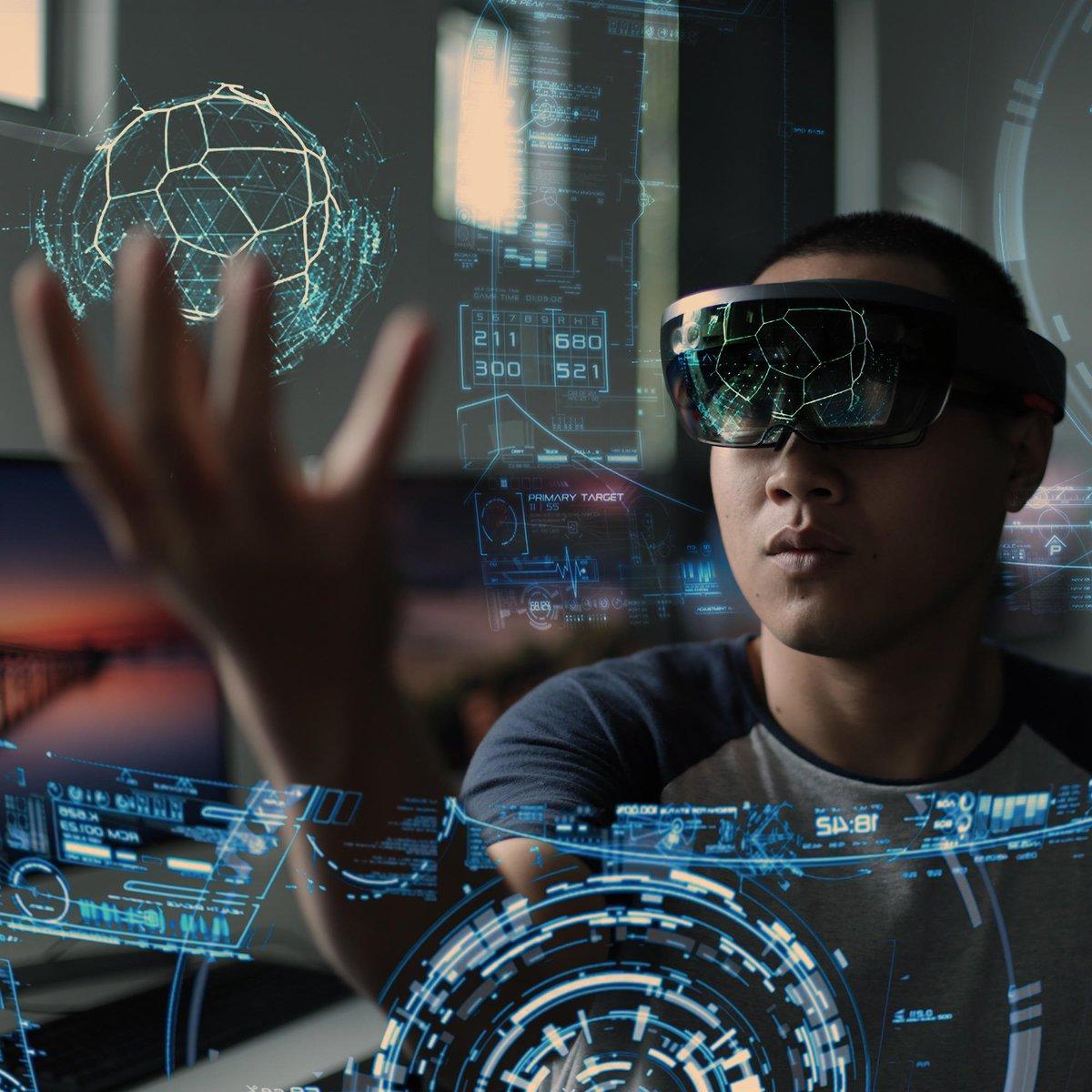 Virtual Reality, Augmented Reality, Mixed Reality: In digital spirit klärt unser Team @EVE_DBS auf, wo die Gemeinsamkeiten und Unterschiede der Immersive Technologies liegen:  http://fal.cn/Sv4W #digitalpartner #dsdbs