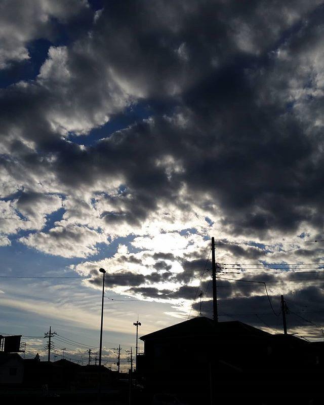 雲間からの光 hashtag on Twitte...
