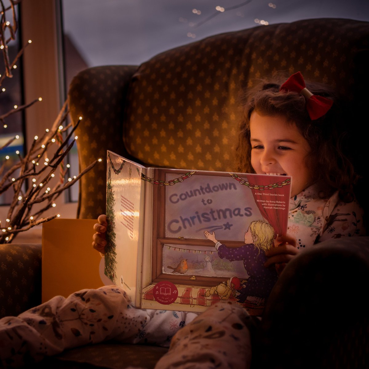 We wish we were snuggled up at home with a book this afternoon like Ivy! 🎄Our first ever OTS Christmas Story Box is now available for pre-order on the website: https://t.co/0JKtabKw5c https://t.co/0PnLEbHRG6