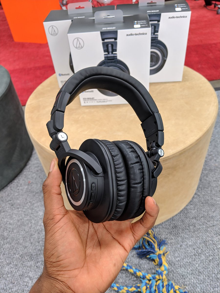 Giving a random follower who RTs this a free pair of Audio Technica ATH-M50XBT headphones! Anyone internationally can win. I'll open this for 24 hours. Good luck! #blackfriday  Also gonna give away another pair on Instagram http://instagram.com/MKBHD