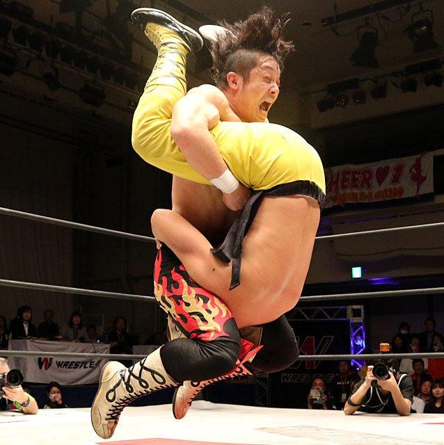 "W-1: ""Wrestle-1 Tour 2018 Autumn Bout"" La traición de Yoshioka 6"