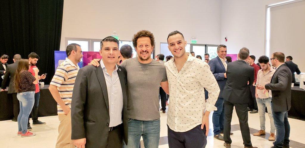 Representando a Salta en #EmprenderCAME  y me encontre a dos Cracks amigos !!!!! @_Juan_Collado y enrique espeche de @PlazaCrema !!!! #EnergiaqueInspira @BazanJuan @Fabianzarza @camejoven @FecorrJoven