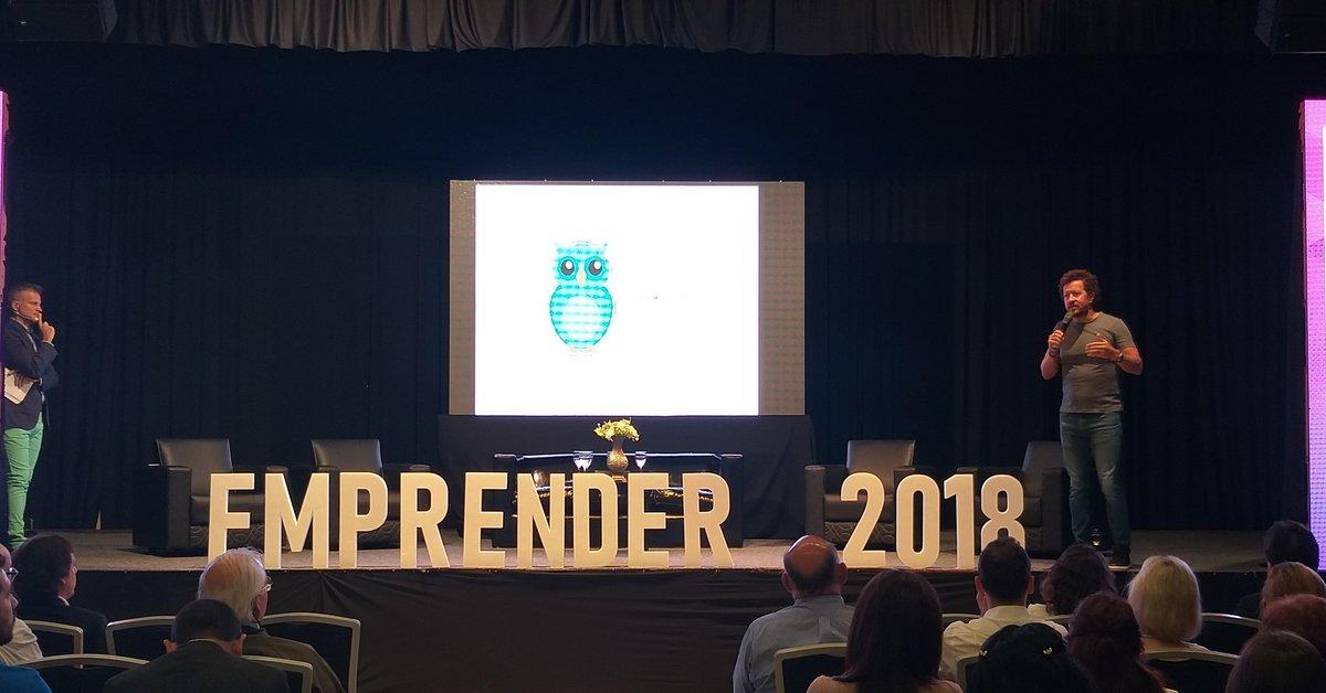 El primer panel, Juan Collado aconseja desde su amplia experiencia a todos los jóvenes acerca de cómo Emprender motivándolos a perseguir sus sueños.  #EmprenderCAME #EnergiaQueInspira