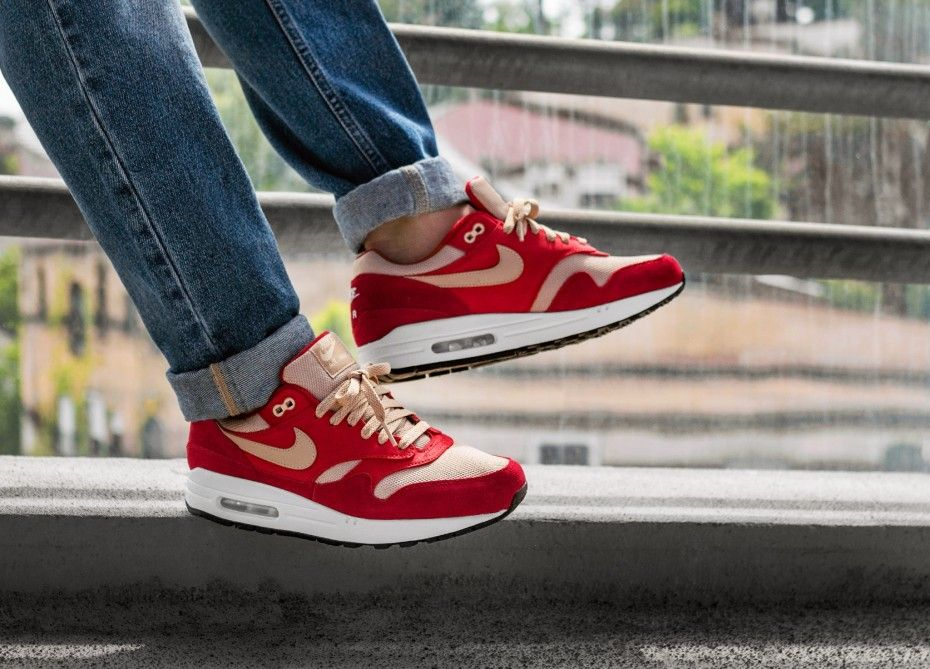 separation shoes cb9d0 18f56 ad  The atmos x Nike Air Max 1  Curry Pack  Is Now On Sale For £90 At Nike  EU Green Curry    http   bit.ly 2DUwBUk Red Curry    http   bit.ly 2R9I1Xn  ...