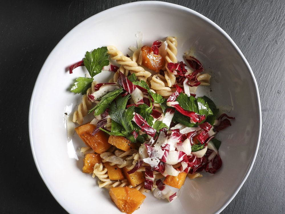 Add these 12 easy squash recipes to your fall and winter repertoire  https://t.co/ZsxTaZ7KRy cc: @foodandwine https://t.co/o61xuxjQpD