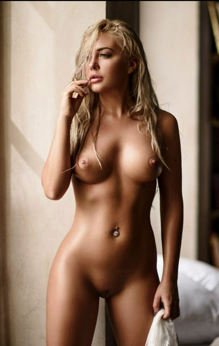 glass-tiles-full-figure-blondes-naked-pics-slow-relaxing