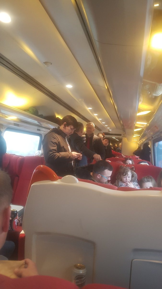 @EMTrains 1.5 first class carriages and 2.5 cattle class. Standing room only on a shopping /sporting saturday!