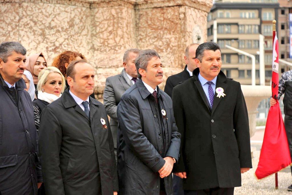 Öğretmenler Günü Programımız Taksim Anıtı'na çelenk koyma töreniyle başladı. #24KasımÖğretmenlerGünü @tcmeb @memleventyazici