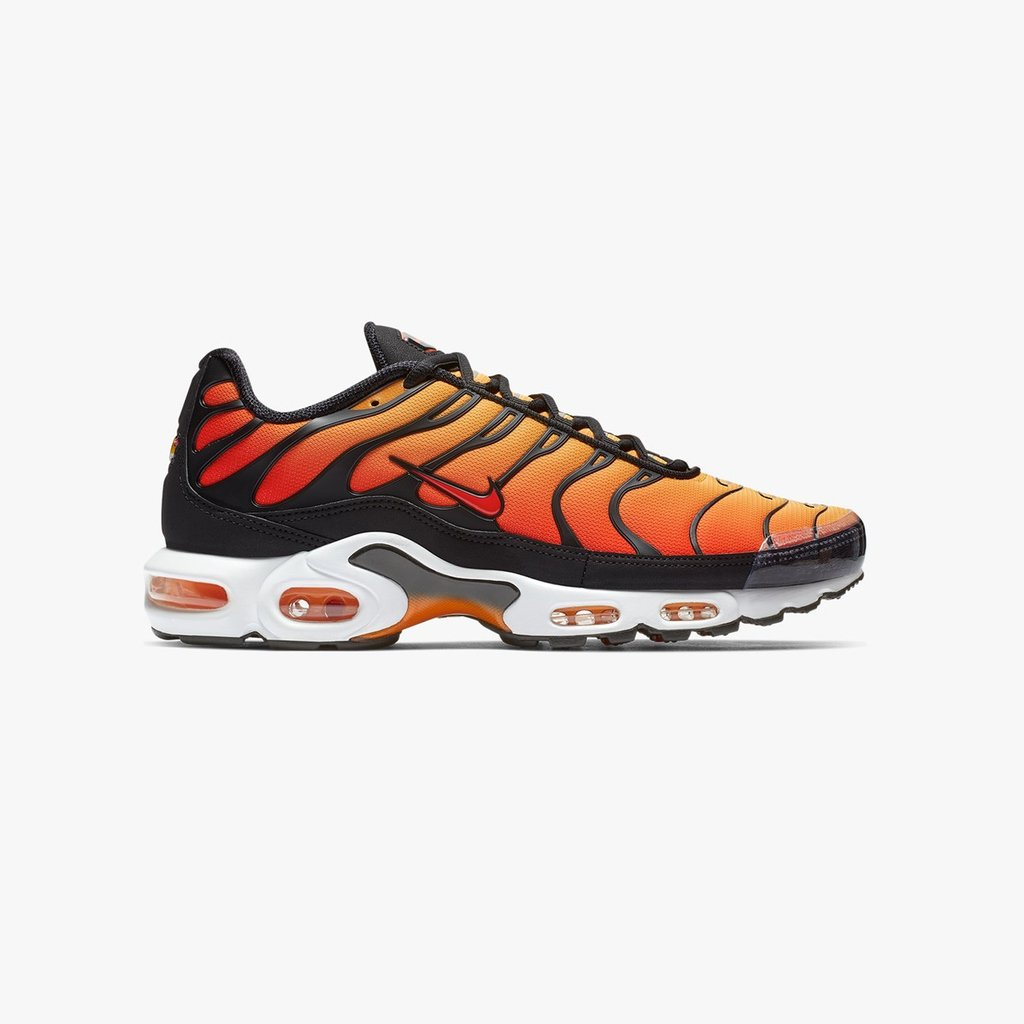 size 40 cf8cf 726db ... Nike Air Max TN is back in its original form with its flamey textile  upper, a muffling cage and eye-catching Air unit. https   bit.ly 2FDowoE   NikeTN ...