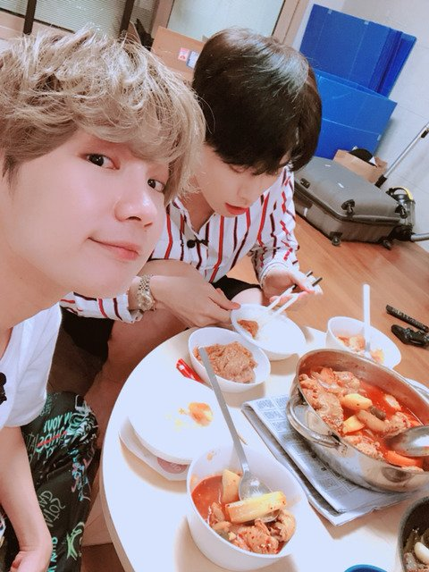 There so many footage that they don't air. I want to see kenta cooking TT ah, and the driving licence too https://t.co/btl2E0fBA8