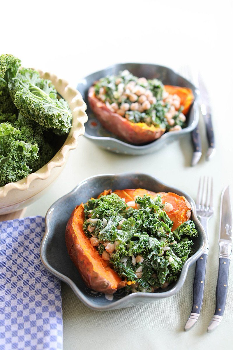 Loaded Sweet Potato with Kale and Chickpeas https://t.co/3gWGlGvX0p https://t.co/OJa2SLvLrF