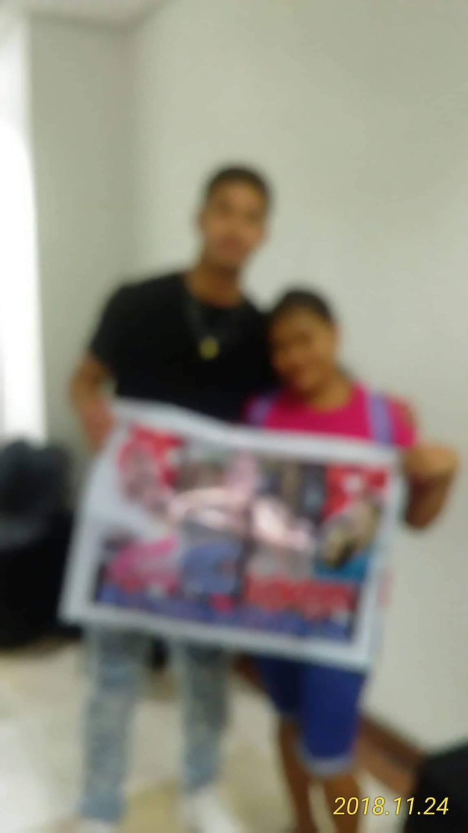 """💘kisston💘 lovers international1027 på Twitter: """"Good evening  @tonythesharky Thank you sa time shacky at tita angel sir Mario Comvo me  Tony pictures tau with banner Tony yeah wait pa tingin ako Me"""