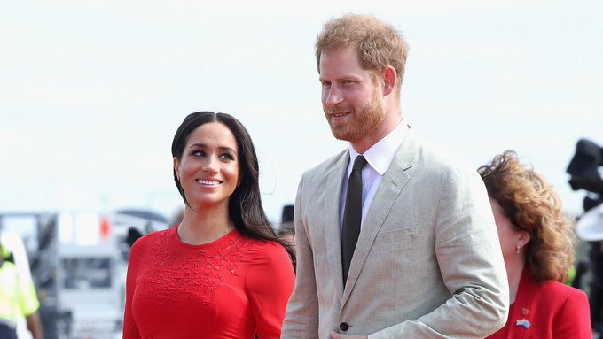 HRH Prince Harry - HRH Meghan Markle - Discussion  - Page 28 DsyEzwvV4AESA9H