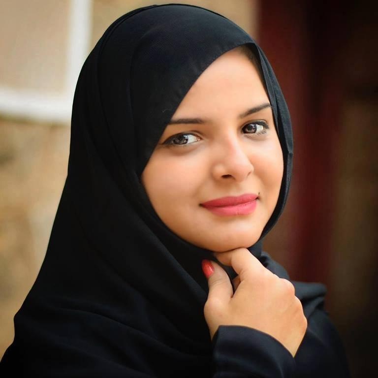 النجمعة اليمنية سالي حمادة تعلن ارتدائها الحجاب وتفاجى جمهورها بهذا الخبر السار .