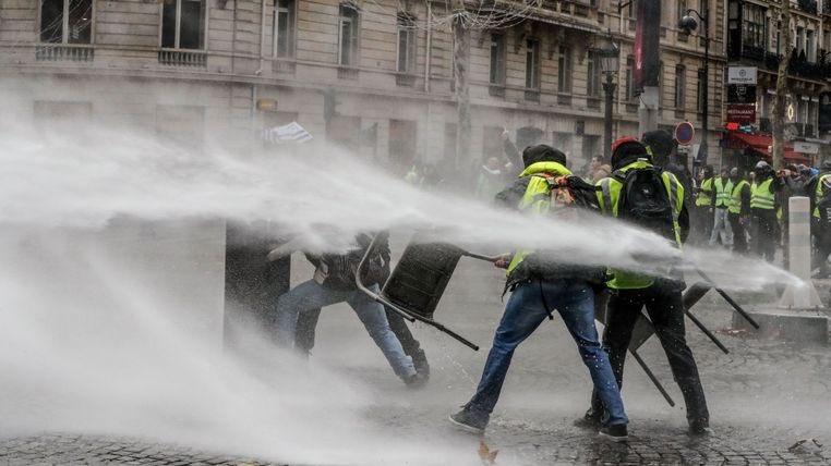 """Французская """"Революция желтых жилетов"""": Макрон должен уйти"""