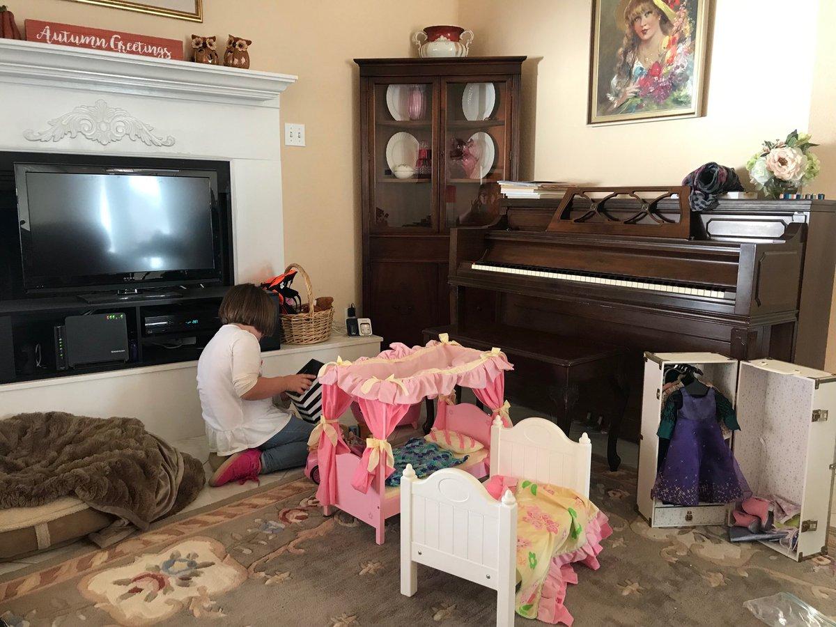 Deborah Sullivan On Twitter Lol My Living Room Has Turned Into