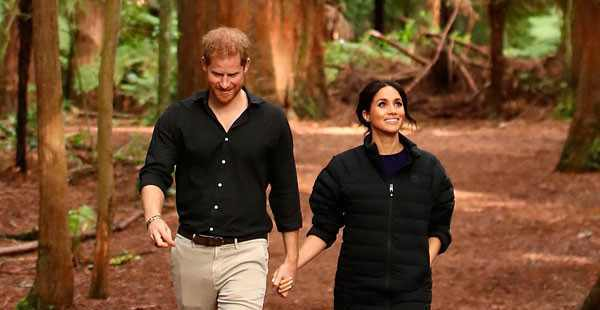 HRH Prince Harry - HRH Meghan Markle - Discussion  - Page 28 Dsz9DNHXcAAjlKP