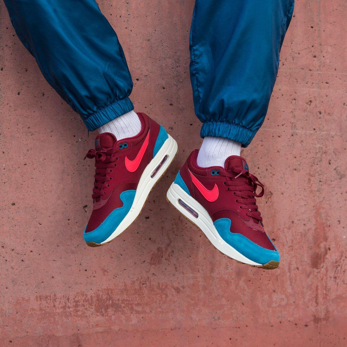 sports shoes 46247 73ed4 1 30 PM - 24 Nov 2018