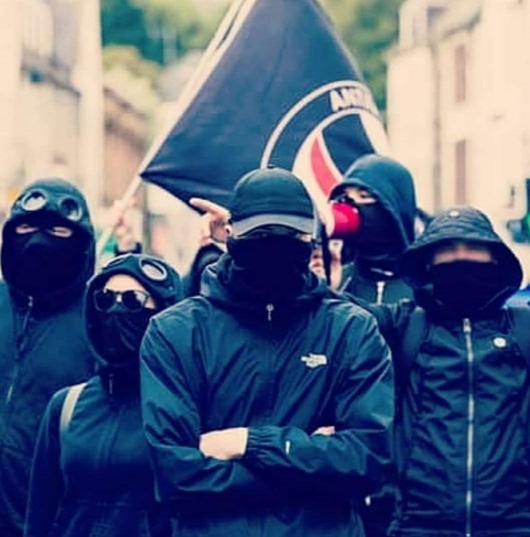 вам картинки хулиганов с масками имени