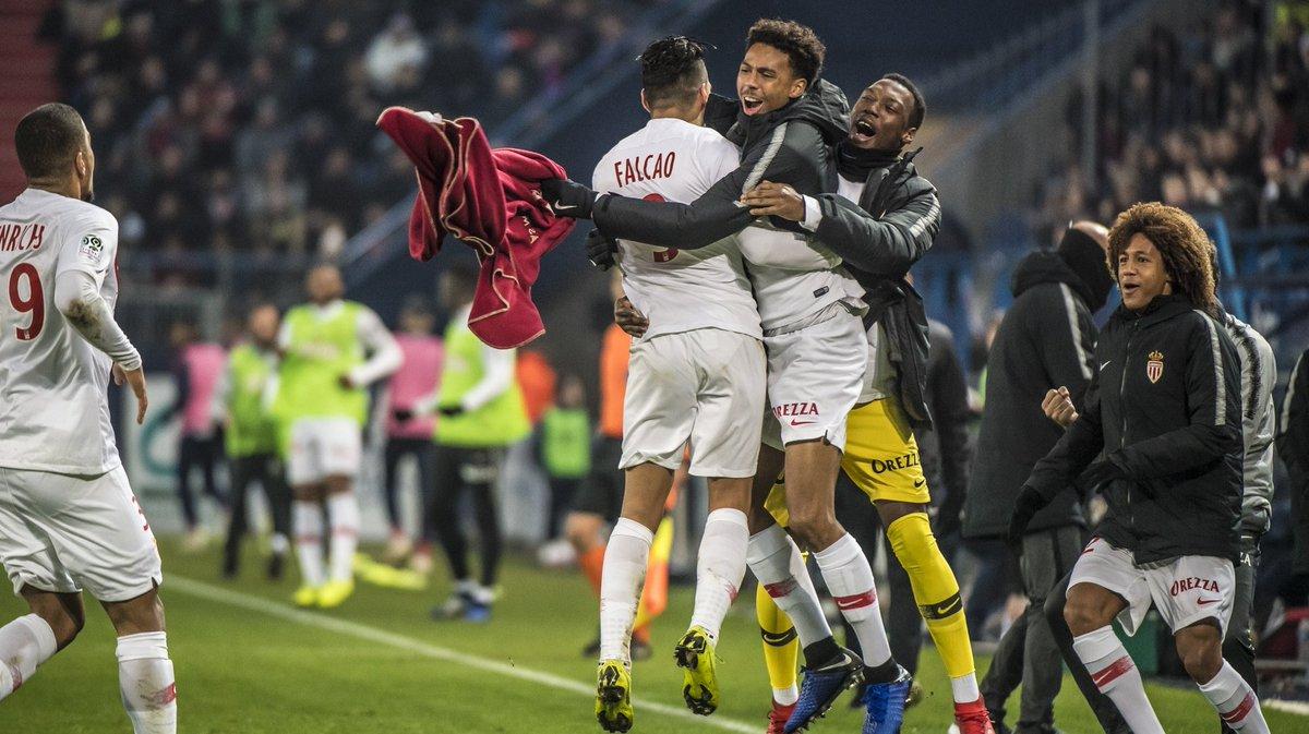 Championnat de France de football LIGUE 1 2018-2019-2020 - Page 8 DszUqoaXgAAJJEB