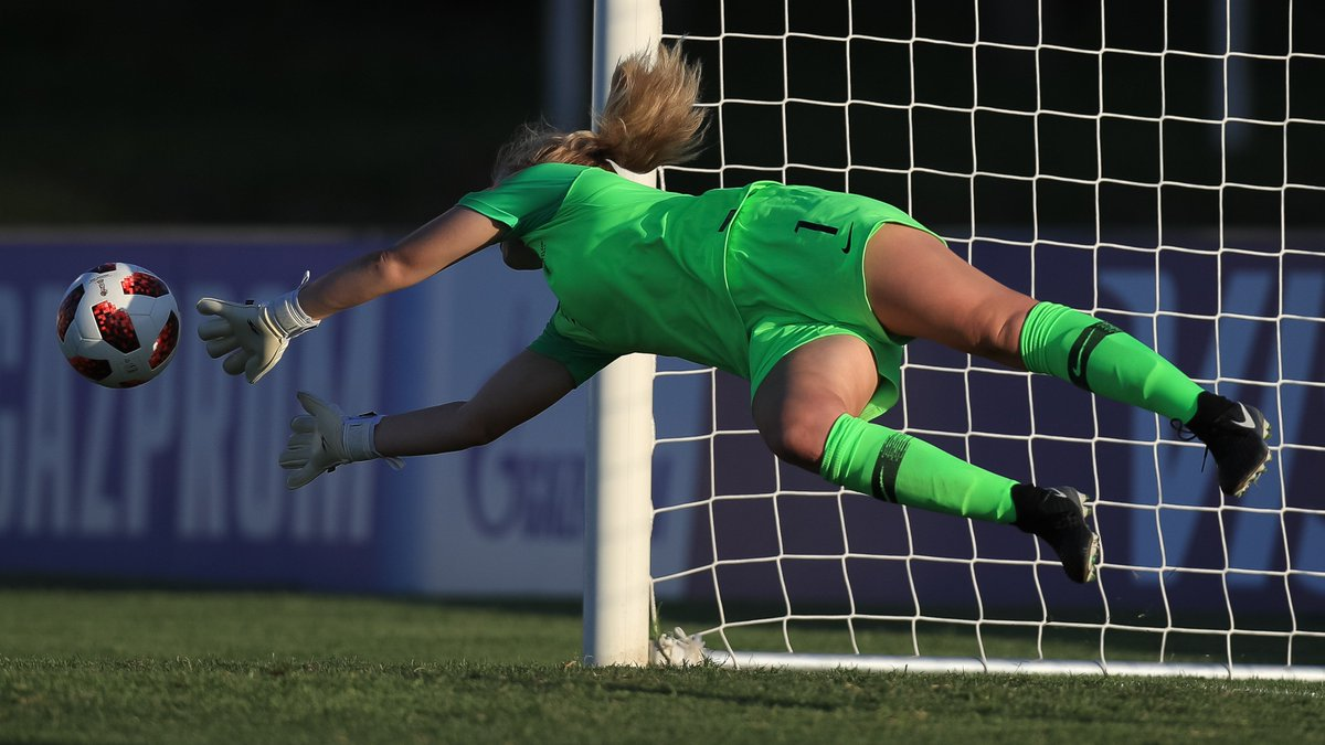 Save a PK in a shoot-out.  Score winning PK to take @NZ_Football into first ever #U17WWC SF.  Get chosen as Player of the Match.  Your family are there to see it.  Anna Leat. You had a day. 💪🇳🇿