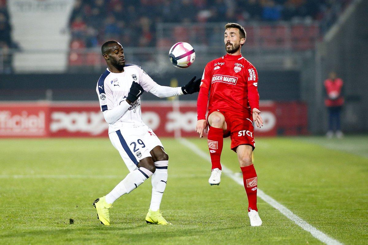 Championnat de France de football LIGUE 1 2018-2019-2020 - Page 8 DszijK_XoAAsb4D