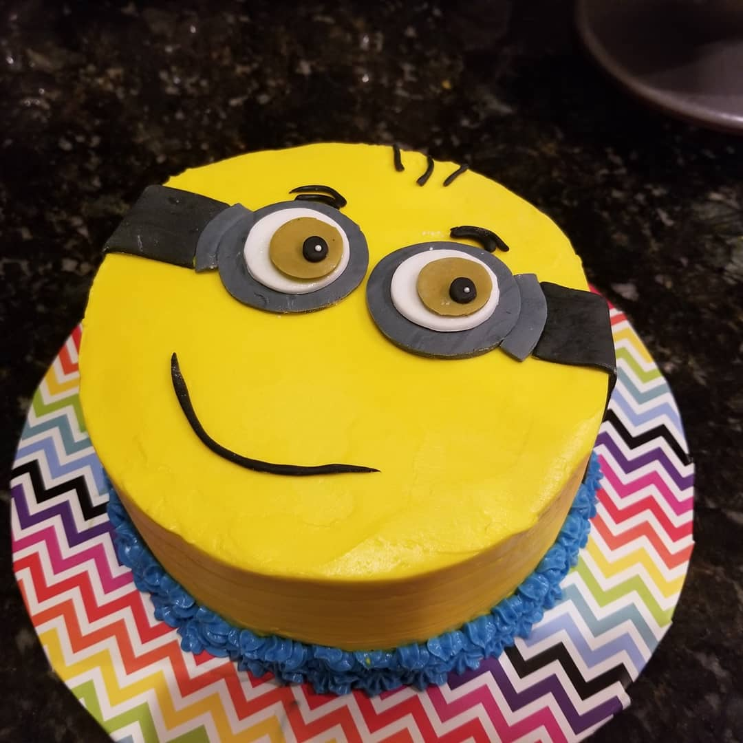 Marvelous Shawn Lang On Twitter Minion Birthday Cake It Was A Big Hit Funny Birthday Cards Online Unhofree Goldxyz