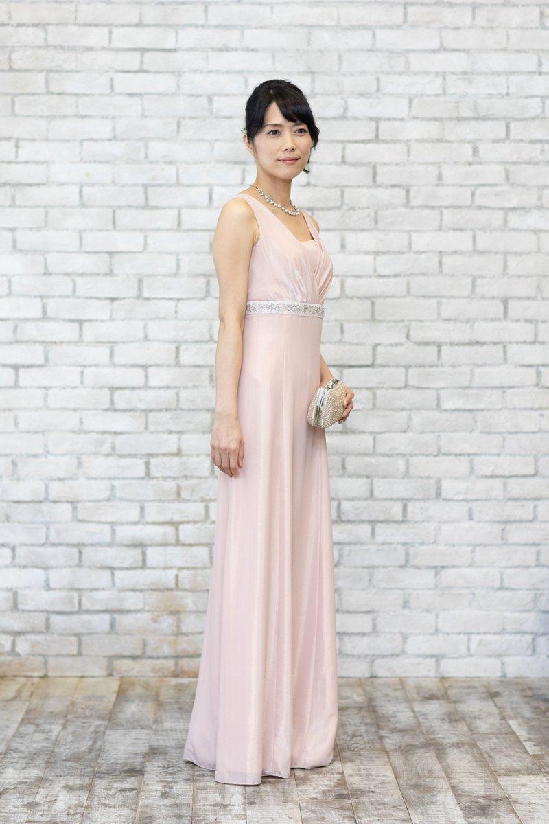 d2ae5594898cf 銀座店ではロングドレスを様々なお色で多く取り扱っております。 ネイビーやブラックもあり、ご親族様からも大人気です。  https   sharelycode.jp shop   SHARELYCODE ...