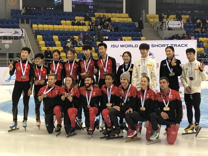Canada earns a 🥇 in the mixed gender relay at the @ISU_Speed World Cup! Photo