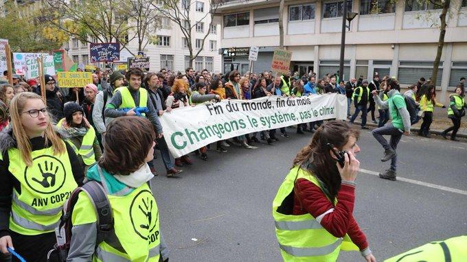 Paris: Uma Thurman, Marion Des stars au milieu des manifs Photo