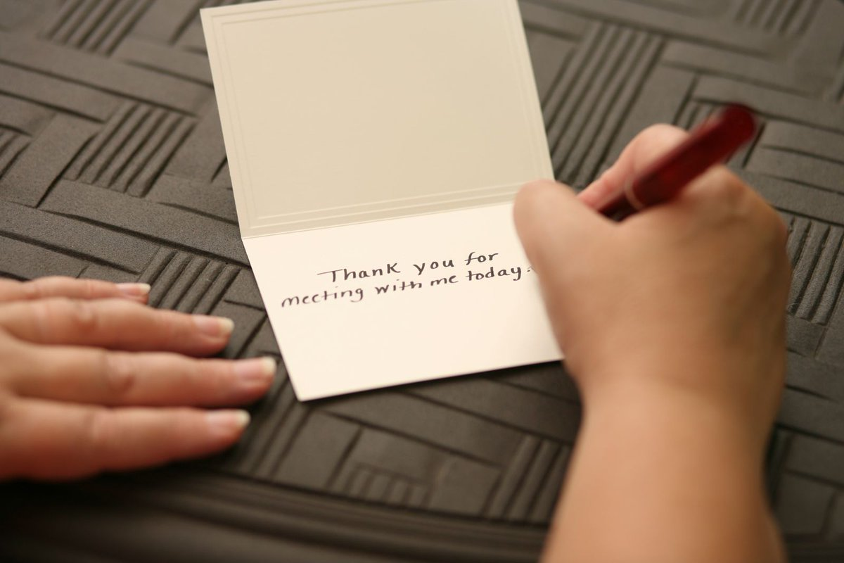 "Writing a thank you note can have a strong psychological effect for both the send and the receiver. #HarvardHealth #gratitude ""http://bit.ly/2QizXa9 """
