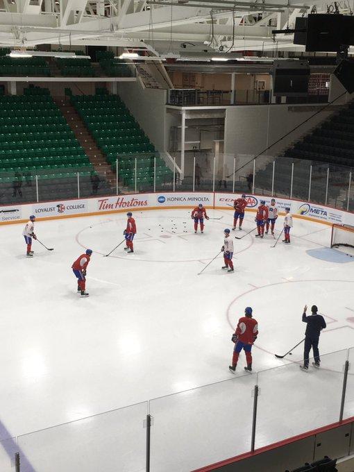 Dix défenseurs présents sur la glace ce matin, dont Cale Fleury et Simon Després. On ne sait pas encore s'ils joueront ce soir. @RocketLaval Photo