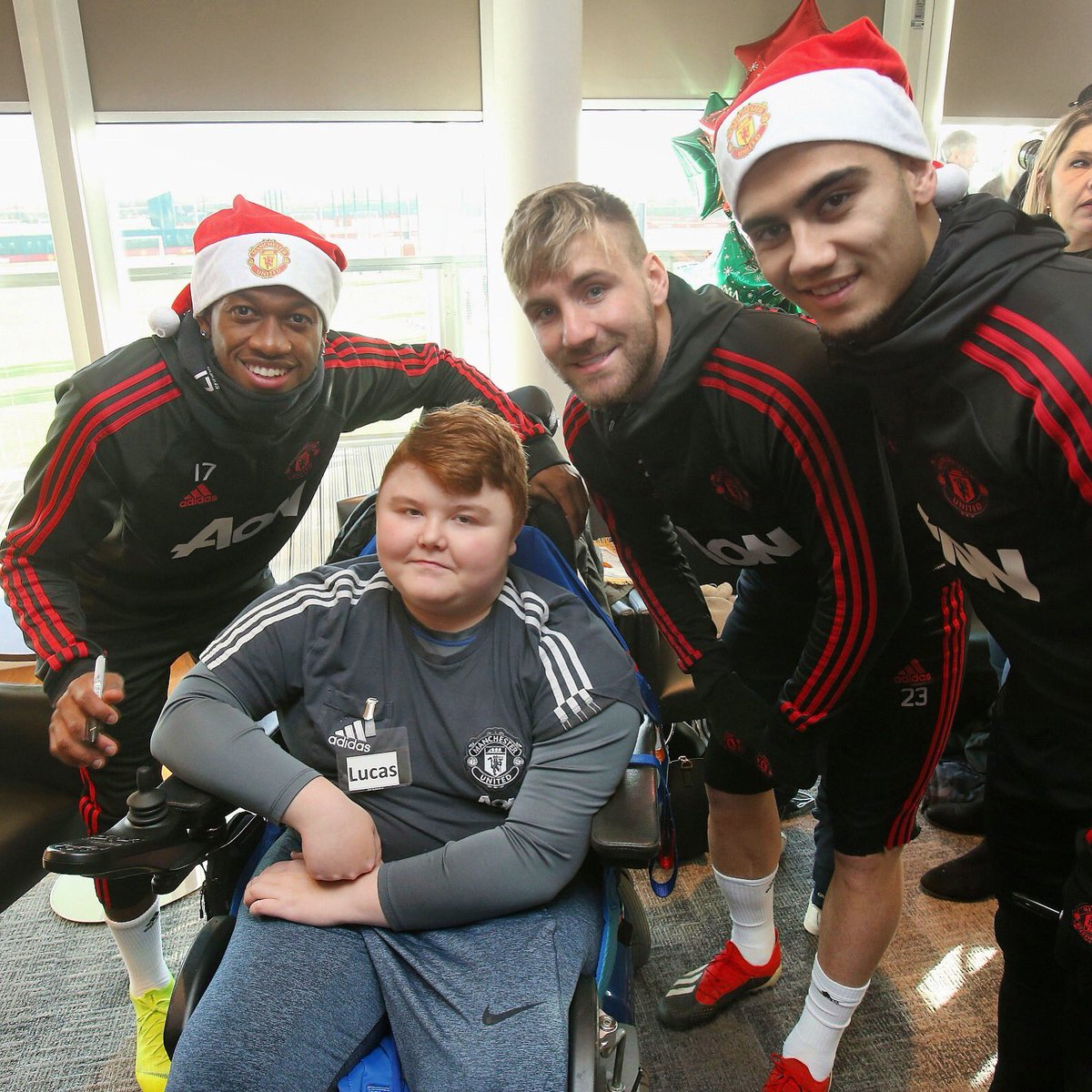A Christmas dream day with @MU_Foundation. Great to meet you all today! ❤ #MUDreamDay #MUFC
